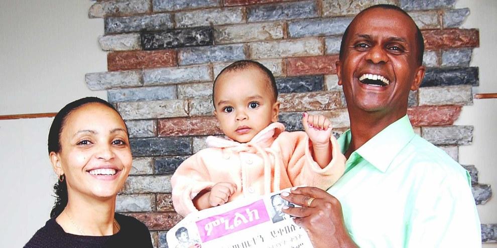 Eskinder Nega mit seiner Frau Serkalem Fasil und seinem Sohn © Privat