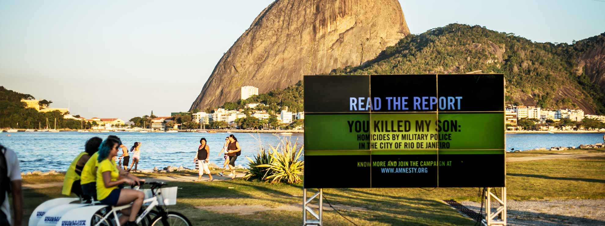 Aktion zur Veröffentlichung des AI-Berichtes «You killed my son - Homicides by military police in the city of Rio de Janeiro» © Thiago Dezan/ Amnistia Internacional Brasil