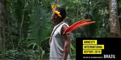 Ein Indigener patrouilliert im Gebiet der Uru-Eu-Wau-Wau im Bundesstaat Rondônia, um ihn vor illegalen Landnahmen und Abholzungen zu schützen. © Gabriel Uchida © Gabriel Uchida