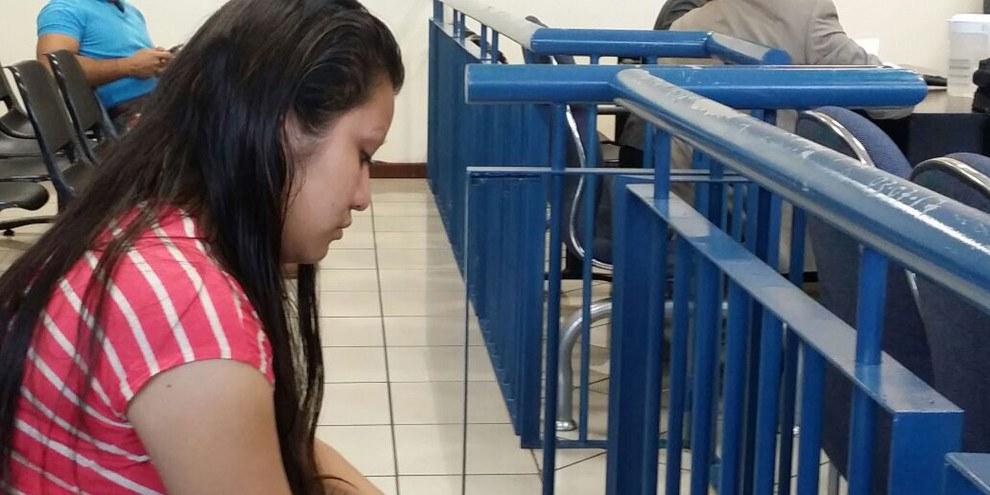 Nach einer Vergewaltigung und Fehlgeburt des Mordes angeklagt: Evelyn Hernández. © Agrupación Ciudadana por la Despenalización del Aborto El Salvador