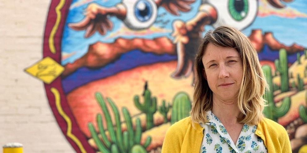 Emily Saunders, die sich für die Rechte der MigrantInnen einsetzt © Amnesty International, Amnesty International/Alli Jarrar