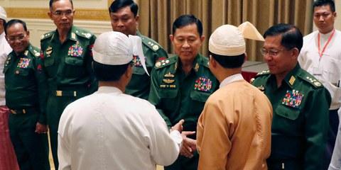 Kritik unerwünscht: Burmesische Militärführung  © SAI ZAW/AFP/Getty Image