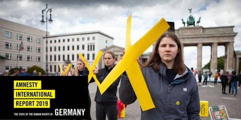 Junge Amnesty-Mitglieder riefen vor den Europa-Wahlen dazu auf, die Menschenrechte beim Wählen nicht zu vergessen.© Jan Petersmann