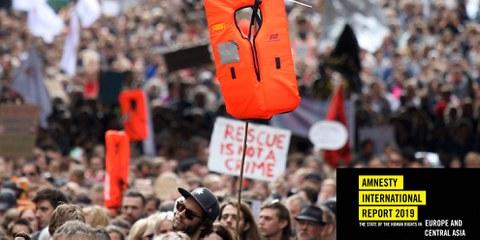 Rettung ist kein Verbrechen: Kundgebung zur Unterstützung der NGO Sea-Watch am 6. Juli 2019 in Berlin. © AFP via Getty Images