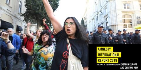 Sie trotzen der Unterdrückung: Demonstrierende an einer feministischen Kundgebung in Aserbaidschans Hauptstadt Baku. © Aziz Karimov/Getty Images