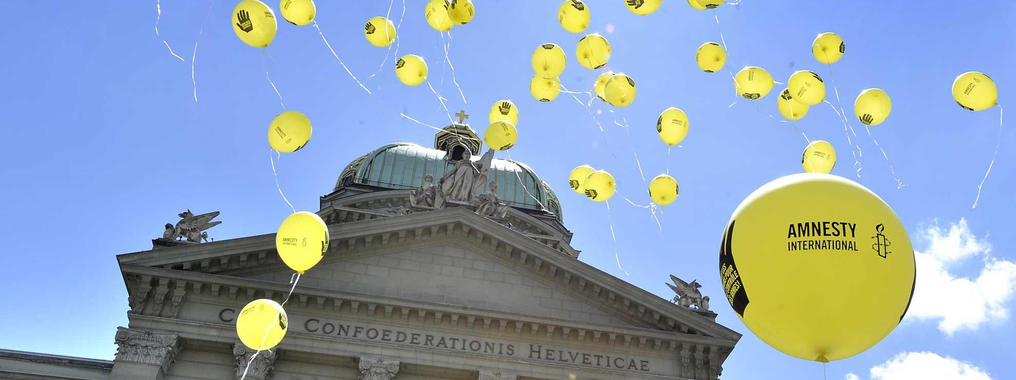Amnesty-Aktion vor dem Bundeshaus in Bern. © Valérie Chételat