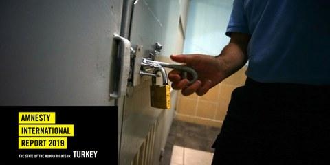 Menschen mit einer kritischen Haltung wurden in der Türkei inhaftiert. © Anadolu Agency/Getty Images