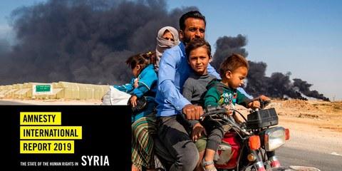 Vertriebene auf der Flucht vor einer türkischen Offensive gegen kurdische Gebiete im Nordosten Syriens am 16. Oktober 2019.  © Delil Souleiman/AFP über Getty Images