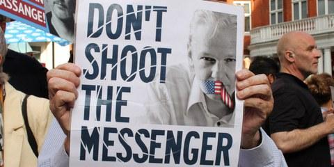 Klage gegen Julian Assange zurückziehen