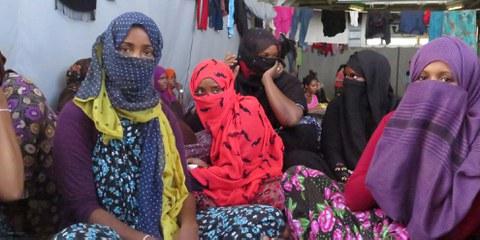 Diese somalischen Frauenflüchtlinge wurden von der italienischen Marine auf dem Mittelmeer gerettet. © AI