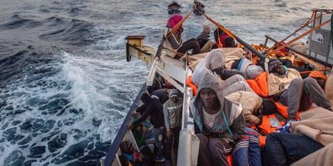 Statt Leben zu rettet und Menschen zu schützen, werden die Prioritäten auf Deals mit Libyen gesetzt. © 2017 Getty Images