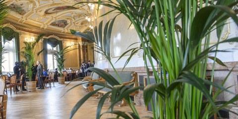 Das Lobbying der Wirtschaftsverbände hat in der Wandelhalle seine Wirkung gezeigt. © parlament.ch