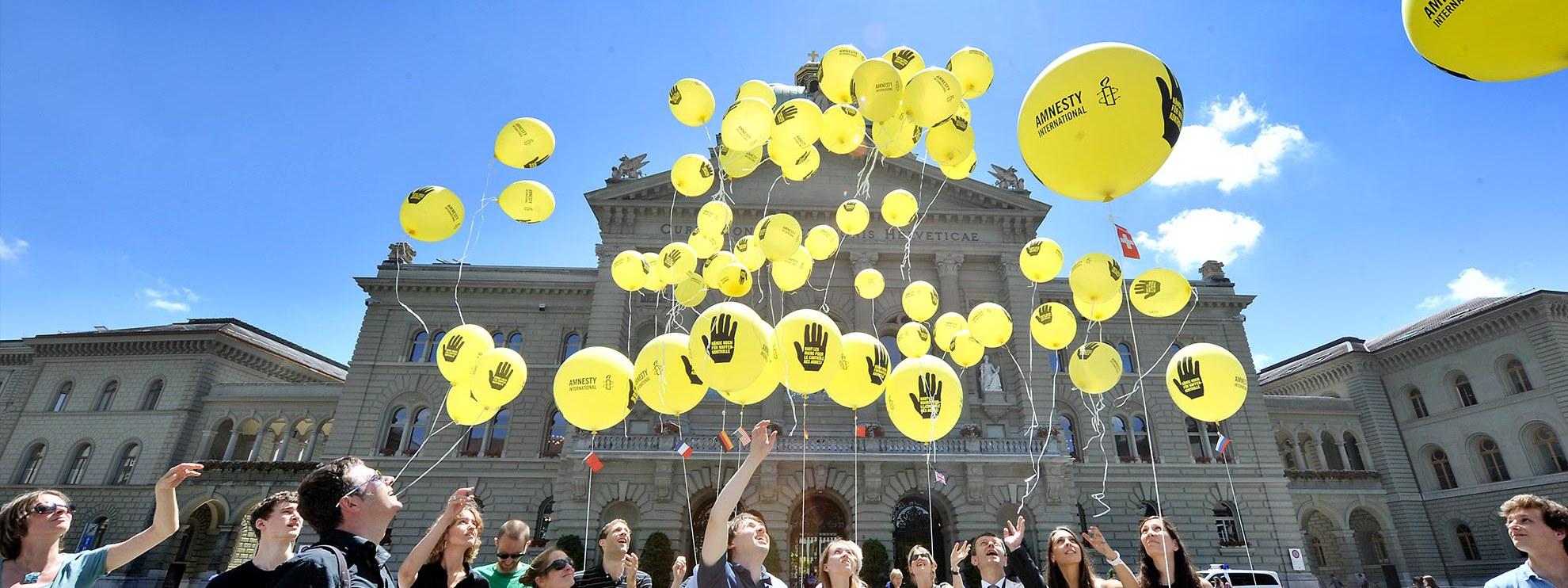 AI-Kampagne gegen Waffenhandel in der Schweiz 2012 © Valérie Chételat