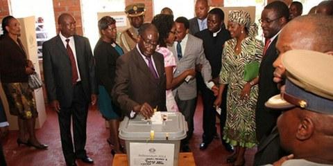 Le peuple zimbabwéen a massivement voté en faveur d'une nouvelle Constitution. © Amnesty International