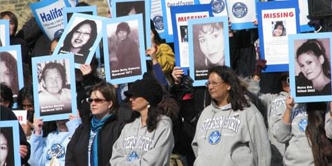 Manifestation au Canada pour les droits des femmes et filles autochtones © Amnesty International