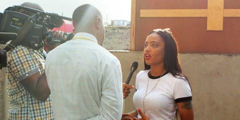 Shackelia Jackson, la sœur de Nakiea Jackson, dénonce l'impunité pour le meurtre de son frère © Amnesty International