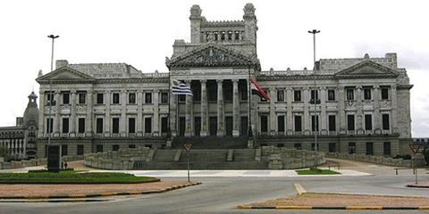 Le Parlement d'Uruguay à Montevideo. © Manu Montevideo