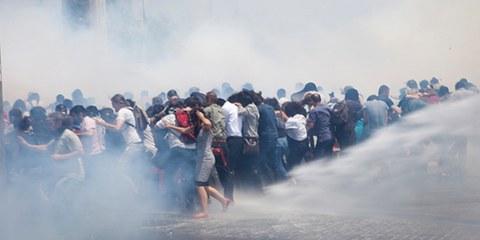 Les forces de l'ordre turques ont eu un recours massif aux lacrymogènes lors des manifestations du parc Gezi en 2013. © Eren Aytuğ/Nar Photos