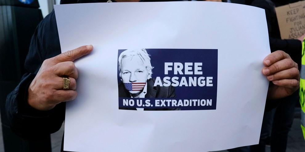 Le comité de soutien du lanceur d'alerte affirme que les personnels de la prison, où est détenu Assange, sont malades avec des symptômes de Covid-19. ©Alexandros Michailidis / shutterstock.com