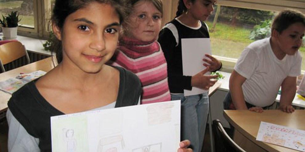 des enfants roms dans une école à Pavlovce nad Uhom, à l'est de la Slovaquie. | © AI