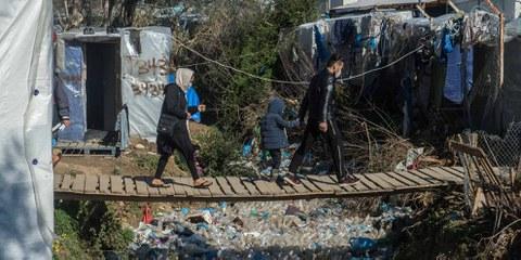 Les conditions dans les camps de réfugié·e·s en Grèce sont dramatiques, le Covid-19 représente un danger supplémentaire. © Guy Smallman/Getty Images