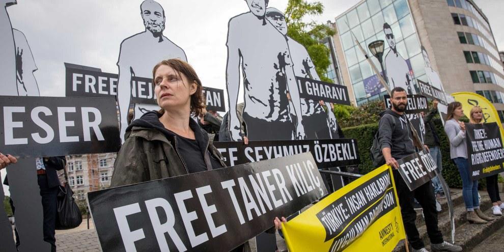 Manifestation devant la Commission européenne à Bruxelles.© Richard Burton/Amnesty International