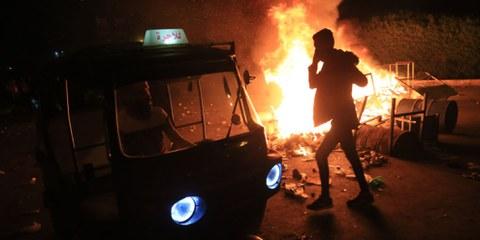 L'usage de la force est devenu bien trop courant en Irak, où les forces de police tuent et blessent illégalement des manifestants. © AFP via Getty Images