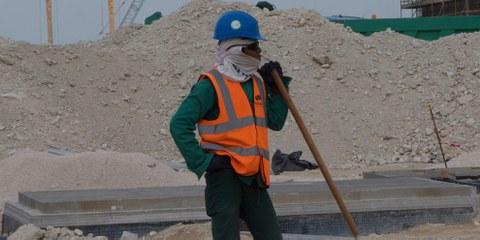Des ouvriers travaillant sur les chantiers de la Coupe du monde 2022 n'ont pas reçu de salaire pendant 7 mois. © Amnesty International