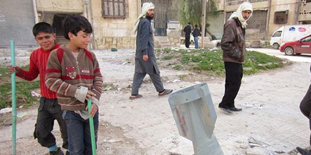 Les habitants fuient les villes sur lesquelles s'abattent les obus. © Amnesty International
