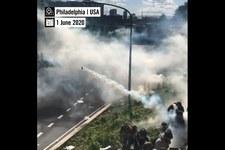 Le commerce des gaz lacrymogènes favorise les violences policières partout dans le monde