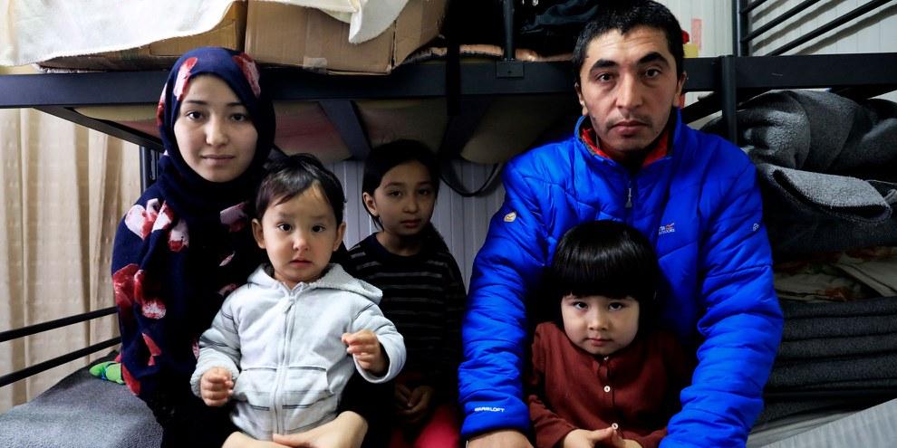 Famille de réfugiés afghans en Grèce, en 2018. © Giorgos Moutafis/Amnesty International