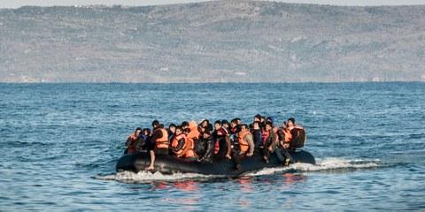 Des réfugiés en provenance de Turquie arrivant par bateau à Lesbos. © Amnesty International