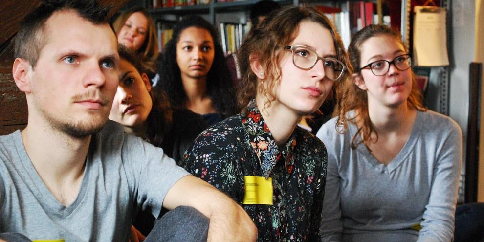 Des étudiant·e·s de toute la Suisse lors d'une conférence Skype avec Amnesty Philippines lors de l'ASSC 2016 © Amnesty International