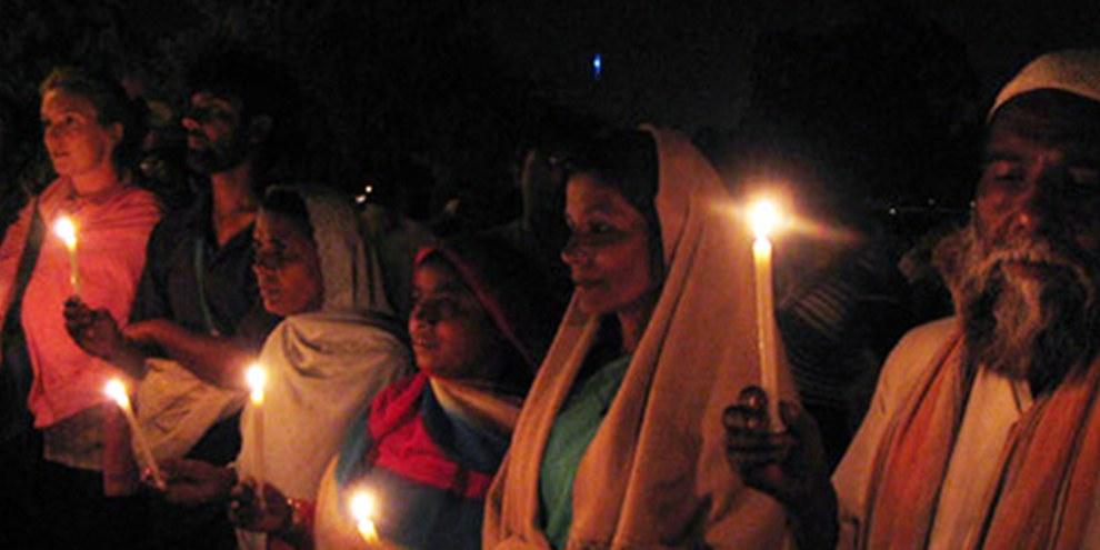 La terribile fuga di gas 30 anni fa a Bhopal causò migliaia di morti | © Amnesty International