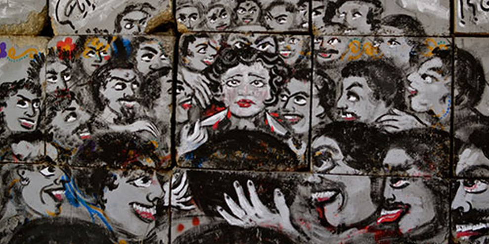 Oltre il 99% delle donne in Egitto ha subito aggressioni di tipo sessuale © Melody Patry / Index on Censorship (mural by El Zeft and Mira Shihadeh)
