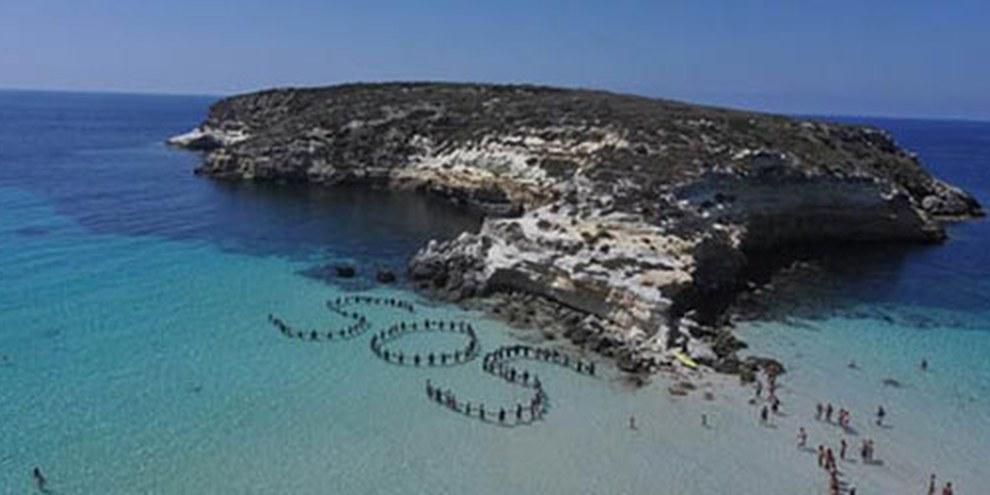 Quasi 300 persone hanno trovato la morte al largo delle coste di Lampedusa © Amnesty International