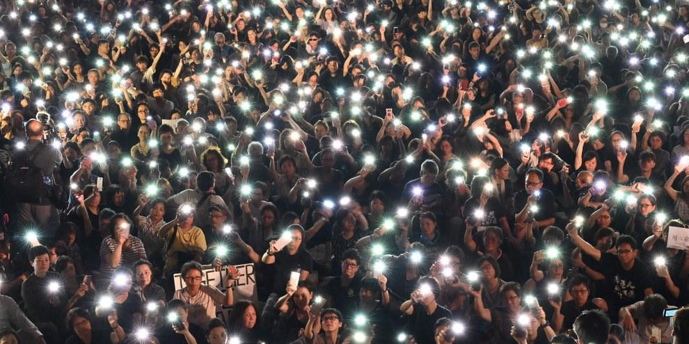 La legge sull'inno nazionale minaccia la libertà d'espressione a Hong Kong © HECTOR RETAMAL/AFP via Getty Images