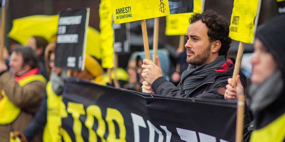 Azione contro la flagellazione di Raif Badawi. © Amnesty International / Hannibal Hanschke